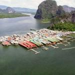 Hindu floating village